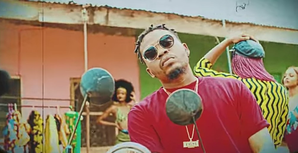 "Olamide Introduces ""Kpakujemu"" A New Dance For His Motigbana"